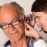 inspectie van het oor bij Engel Hoorservice